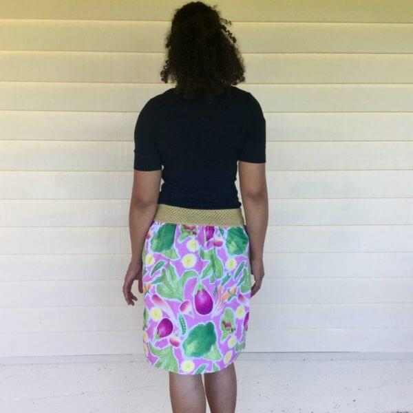 Rock The Brocc ladies skirt and dangle earrings in pink